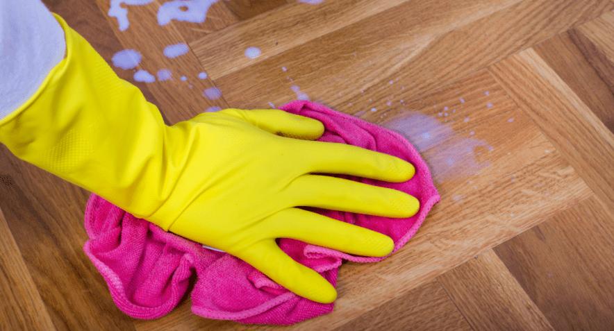 Como limpar piso laminado