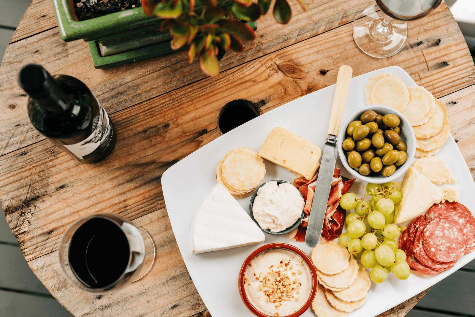 6 ideias de petiscos para acompanhar vinho